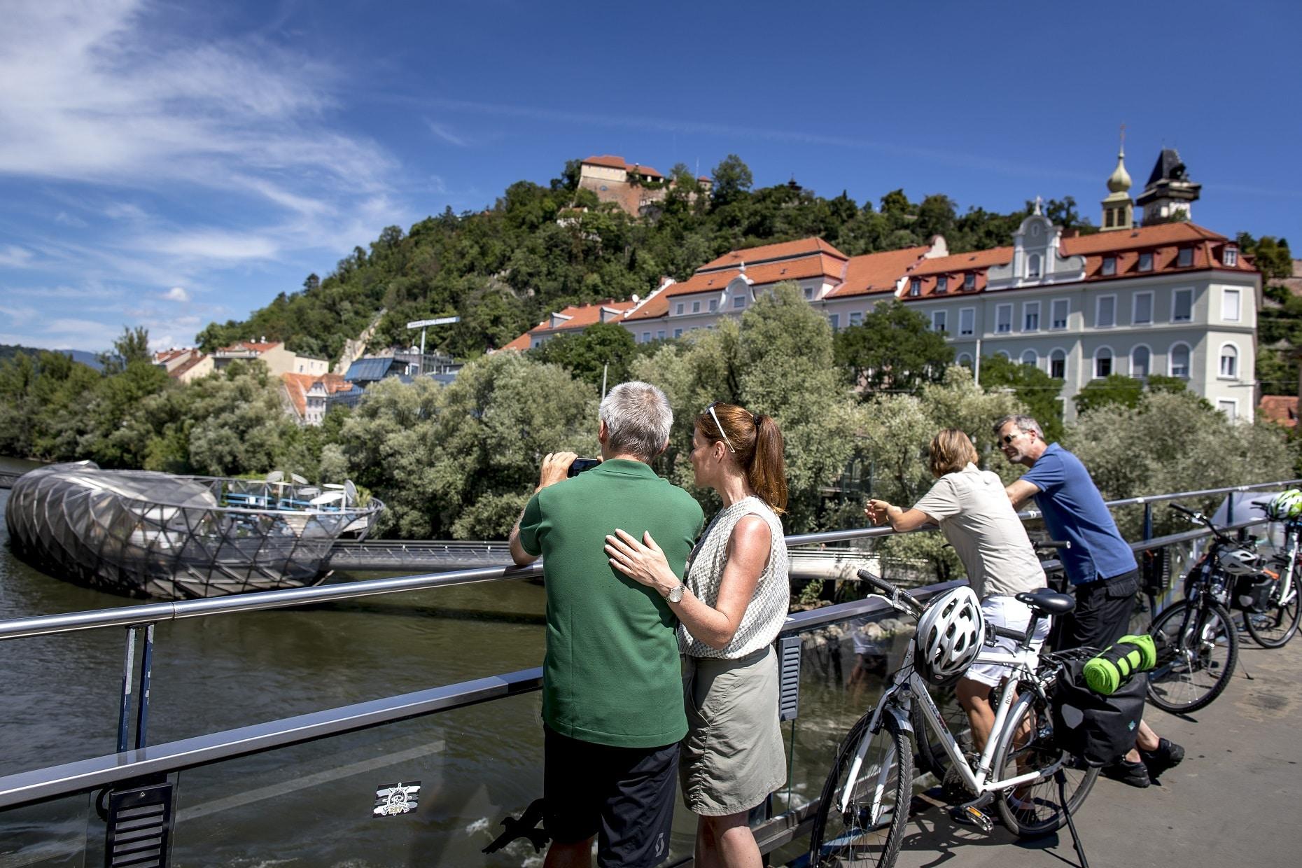 Blick auf die Acconci Insel(c) Steiermark Tourismus Tom Lamm
